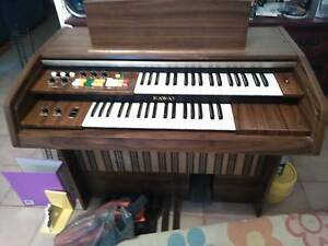 Electric organ with jack for headphones & an amp Greenfields Mandurah Area Preview