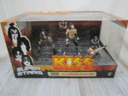 """Brand New - """"Kiss"""" Limited Edition Collectable Box - Action Figure Set"""