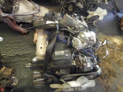 Toyota Hiace 2rz engine