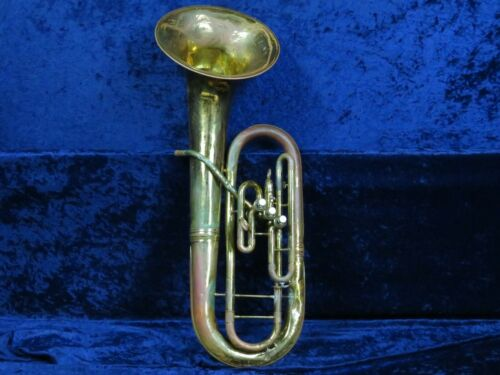 King 3 Valve Baritone Horn Ser#398903 Awesome Player comes with a Mouthpiece!