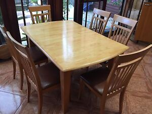 Dinning  extendable table and  six chairs set Bankstown Bankstown Area Preview