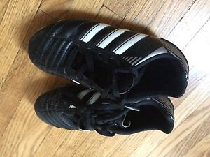 Boys adidas soccer shoes size 11