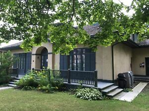 Charming 2 bedroom in beautiful downtown Kingston building!