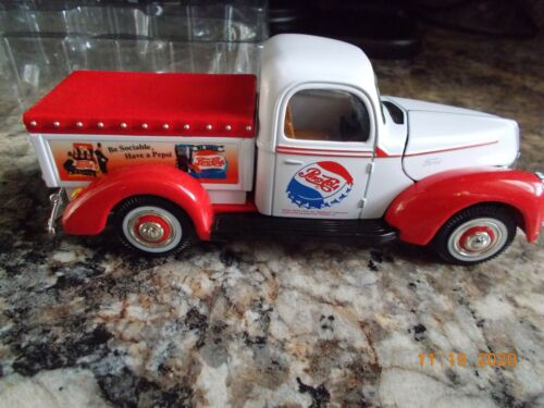 New in Box Golden Wheel Diecast 1940 Ford Pepsi Delivery Pickup Truck