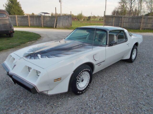 Imagen 1 de Pontiac Firebird white