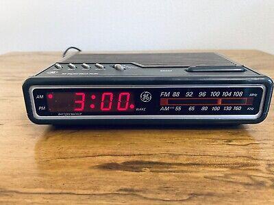 GE Digital Alarm Clock Radio AM/FM Model  7-4612A Brown Vintage 80's