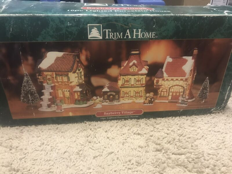 Trim-a-Home BAYBERRY 10 Piece Set Lighted Christmas Village House With Cords
