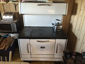 Vintage enterprise wood oil cooktop stove. Works  Great