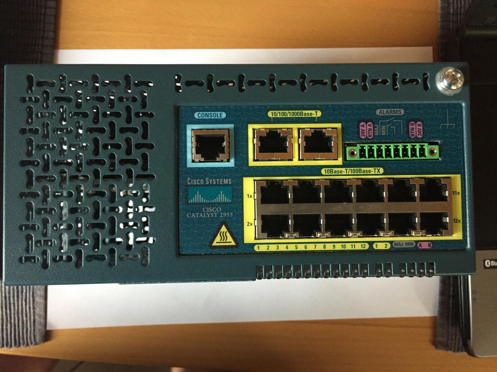 Switch CISCO SYSTEMS Catalyst 2955 WS-C2955T-12 CNM9S30CRA 24 V für HUT Schiene