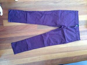 Size 34 men's maroon chinos Yeronga Brisbane South West Preview