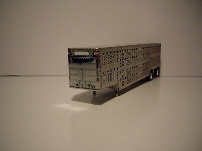 DCP FIRST GEAR 1/64 SPREAD AXLE WILSON SILVER STAR LIVESTOCK TRAILER