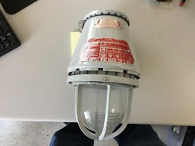 Appleton VU 200 Explosion Proof Light  Excellent-possibly NOS   MORE AVAILABLE