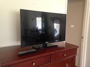 "30"" TV and built in DVD player Gnangara Wanneroo Area Preview"
