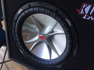 Kicker subwoofers and amplifier