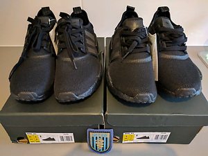 Adidas NMD_r1 Triple Black DS 8US Campbelltown Campbelltown Area Preview