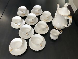 Royal Albert China Tea Set Excellent Condition