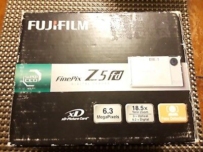 Fujifilm finepix Z5 fd digital camera BROWN