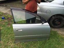 2005 vz Holden commodore sv6 rh door driver side Braybrook Maribyrnong Area Preview