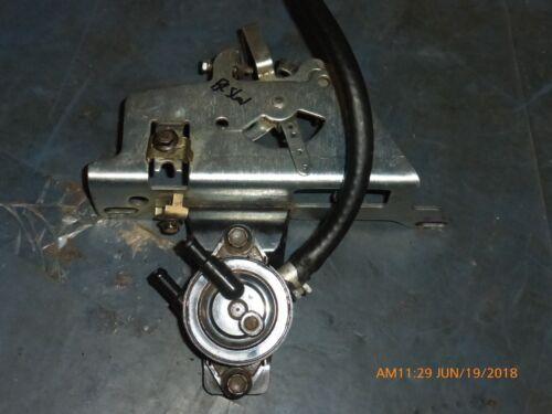 Used Simplicity Regent Kohler SV540 Throttle Control 2053606 & fuel pump 2439316