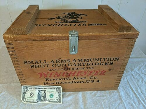 Vtg WINCHESTER Small Arms Ammunition Shot Gun 12ga 2 5/8 500 Repeater Box Crate