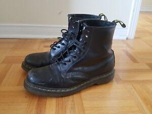 DR MARTENS - 1460 8 Eye Boots - Size 11 Men's