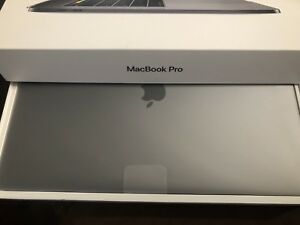 """MacBook Pro 15"""" 2018 Touch Bar  2.2GHz 6-Core i7 256GB"""