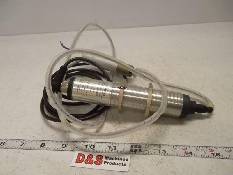 Siemens 3RG6012-3AD01-0AA1 Ultrasonic Sensor