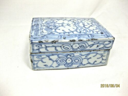 ANTIQUE CHINESE PORCELAIN SCHOLARS INK BOX
