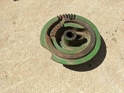 John Deere 14t Square Hay Baler- Right-side Knotter Cam Gear Tripper Assembly