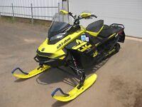 2018 Ski-Doo MXZ® X 850 E-TEC® - Sunburst Yellow/Black Charlottetown Prince Edward Island Preview