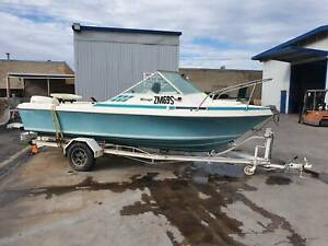 "19"" Douglas Craft Mirage runabout Kilkenny Charles Sturt Area Preview"