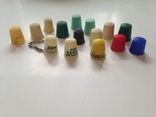 Lot of 15 Vintage Plastic Sewing Thimbles                  t24