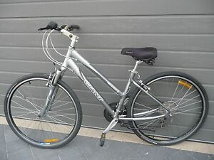 Near new, hybrid Giant bike for sale Rivervale Belmont Area Preview