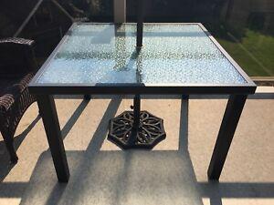 Table carrée patio terrase
