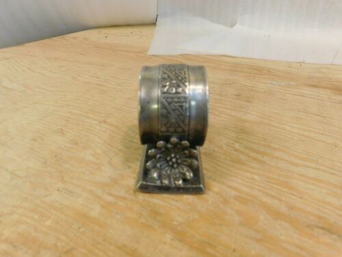 Antique 1898 Acme Silver Co Toronto 700 Flower Napkin Ring Silverplate