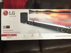 LG SH3B sound Bar and wireless Subwoofer