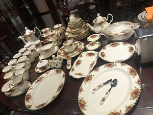 $55/5 pieces Vintage 1962 Royal Albert Old Country roses Dishes