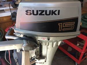 15 HP Suzuki Outboard Extremely Low Hours