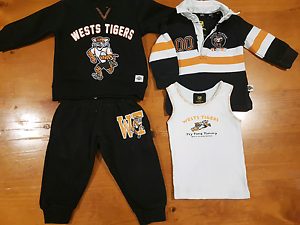 Size O West Tigers clothes Rosemeadow Campbelltown Area Preview