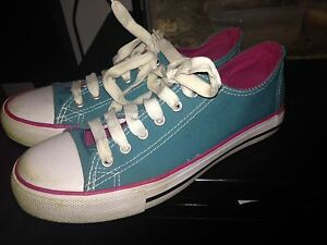 Womens size 8 shoes