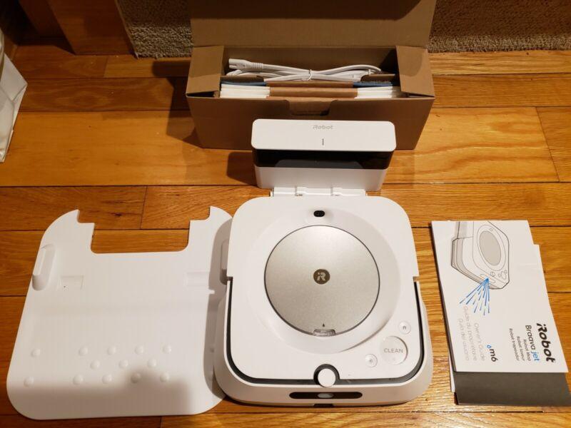 iRobot Braava Jet M6 (6110) Wi-Fi Connected Robot Mop Read Description