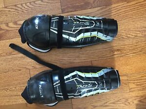 CCM Tacks shin pads