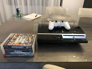 Ps3 with 5 games and controller
