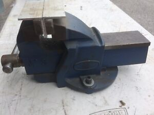 Bench vices for machine shop or workshop