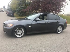 2008 BMW 328xi ( low km , leather , loaded , new tires )
