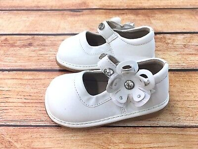 Squeaky Shoes New White with Crystals  Mary Jane  Girls Toddler  Walker (Crystal Mary Jane Shoes)