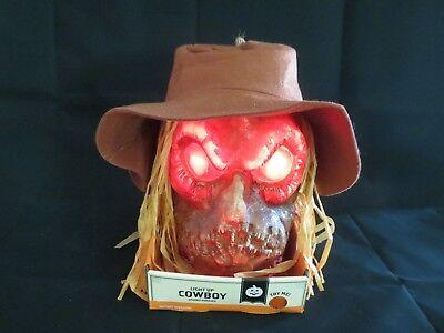 Halloween Talking Head (Halloween Talking Light Up Animated Scarecrow Cowboy Head Spooky Prop NEW IN)