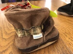 0 to 6 months size warm fall/winter Robeez