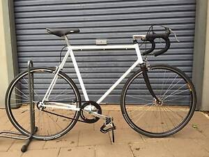 Steel-frame fixie (refurbished) Dubbo Dubbo Area Preview