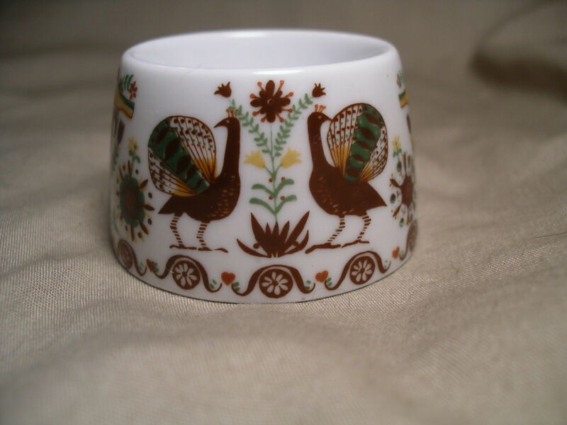 PEACOCK PORCELAIN EGG CUP BIRDS ALL AROUND WESTERN GERMANY TRANSFERWARE
